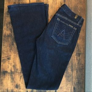 "Like new, 7FAM, dark wash ""A"" pocket jeans"